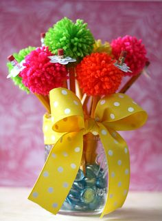 Pom-pom Pencil Bouquet by Laura Bassen for Papertrey Ink (April 2015)