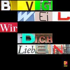 #BVG   #bvg_weilwirdichlieben #berlin #slogan #brandenburgertor #brandenburggate #urban #poetry #urbanpoetry