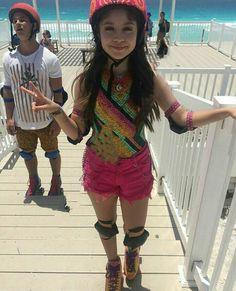 Disney Channel, Sou Luna Disney, Cimorelli, Image Fun, Son Luna, Hat Hairstyles, Christmas Colors, Videos, Singer