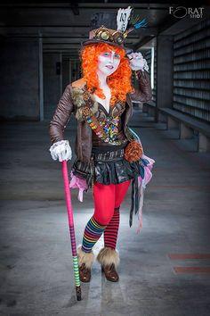 Mad Hatter Cosplay by Yugana Senshi Uon Dress Up Costumes, Girl Costumes, Cosplay Costumes, Costume Ideas, Mad Hatter Cosplay, Mad Hatter Costumes, Amazing Cosplay, Best Cosplay, Halloween Cosplay
