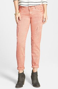 fun distressed boyfriend jeans in this peach/coral color!  perfect for spring!