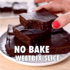 No bake chocolate Weetbix slice, easy kid-friendly recipe made with Weetabix, or wheat biscuit breakfast cereal. Healthy recipe