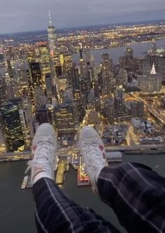 Aesthetic Movies, City Aesthetic, Aesthetic Videos, Travel Aesthetic, Aesthetic Pictures, New York Life, Nyc Life, In New York, New York Night