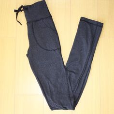 LULULEMON ATHLETICA Black & Gray Striped Size 00 LULULEMON Black & Gray Striped Leggings Pockets and Drawstrings Size 00 * In Perfect Preowned Condition. No Noted Flaws. * Bundles Available at a 5% discount.  * Please see pictures & ask questions! * Sorry No Trades. lululemon athletica Pants Leggings