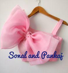 Girls Frock Design, Baby Dress Design, Kids Frocks Design, Baby Frocks Designs, Kids Dress Wear, Dresses Kids Girl, Baby Dresses, Fancy Blouse Designs, Stylish Dress Designs
