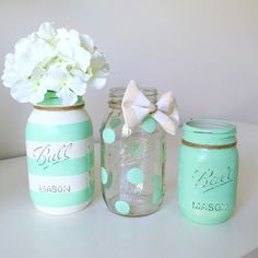 New Baby Boy Shower Centerpieces Mason Jars Burlap Ideas Mason Jar Projects, Mason Jar Crafts, Mason Jar Diy, Diy Projects, Pink Mason Jars, Mason Jar Vases, Mint Paint, Decorated Jars, Painted Mason Jars