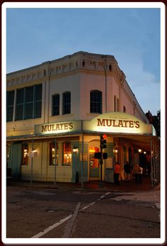 Mulate's, the original Cajun restaurant, New Orleans, Louisiana, Authentic Cajun food and live traditional Cajun music presented in an authentic Cajun Dancehall.