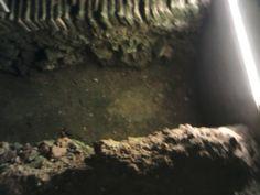 Un pozo con luces,en la Cuidad de Buenos Aires.La Casa Rosada en del Museo del Bicentenario