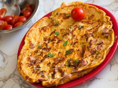 Omleta cu bacon si cascaval - BucateleNoastre.ro Quiche, Bacon, Cooking, Breakfast, Food, Morning Coffee, Meal, Kochen, Essen
