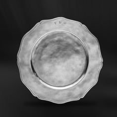 Pewter Charger Plate handcrafted by artisans of La Bottega del Peltro - Italian Pewter Dinnerware - Handmade in Italy - Online Store Spode Woodland, Charger Plates, Empire Style, Baroque, A Table, Dinnerware, Antiques, Tableware, Table Accessories