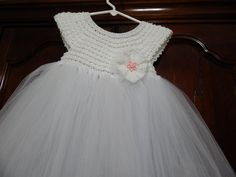 Diy Crafts - Today I would like to present you white tutu dress pattern, which you can use as a First Communion Dress or Special Occassion Dress. Crochet Girls, Crochet Baby Clothes, Crochet For Kids, Learn Crochet, Crochet Tutu Dress, Crochet Fabric, Little Girl Dresses, Flower Girl Dresses, Vestidos Bebe Crochet