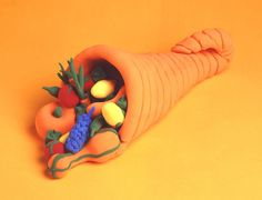 The fine details involved in making this decorative horn boost children's concentration. Showcase this harvest centerpiece on your holiday table.