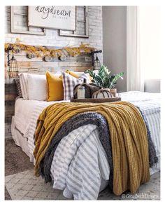 Dream Bedroom, Home Bedroom, Bedroom Furniture, Bedroom Ideas, Design Bedroom, Bedroom Inspiration, Master Bedroom Decorating Ideas, 1980s Bedroom, Bedroom Crafts