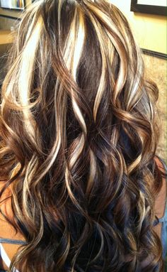 Trendy hair color highlights : (notitle) hair/makeup in 2019 cabello, cabel Brown Hair With Blonde Highlights, Hair Color Highlights, Foil Highlights, Hair Color And Cut, Brown Hair Colors, Hair Colours, Pretty Hairstyles, Hairstyle Ideas, Hair Ideas