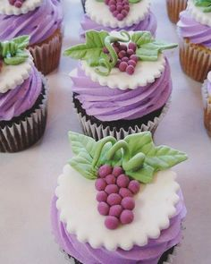 #baking #cupcakes #muffins #foodtrend #cupcakedecorating #cake #sweets #foodinspiration #instafood #berries