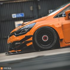 Old Renault Clio RS Race Car With Widebody Kit Looks Angry - autoevolution Sport Cars, Race Cars, Peugeot, Hugo Silva, Clio Sport, Clio Rs, Megane Rs, Car Tuning, Modified Cars