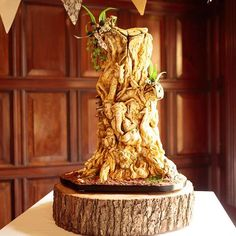 """The Tree of Life"" ... One of the most extraordinary Wedding Cakes I have ever seen! Amazing talent!  @chester_zoo #chesterzoo #chesterzoowedding #NRP #neilridleyphotography #fearless #bridebook #wedisson #weddingday #weddingcake #cake #animalkingdom #thetreeoflife #animalsculpture #weddingstyle"