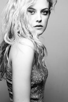 riley keough, elvis's granddaughter. just gorgeous(:
