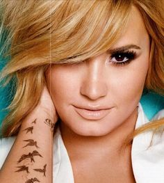 Demi Lovato Cosmo shoot 2013