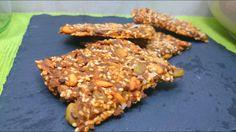 Voici ma recette de crackers vegan aux graines. Parfaits à croquer tels quels. Ils feront à coups sûrs leur petit effet à l'apéritif. Un délice!