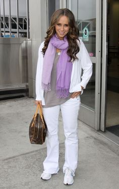 Who made Jennifer Love Hewitt's brown purse? Jennifer Love Hewitt Body, Jennifer Hudson, Jennifer Connelly, Melinda Gordon, Good Looking Women, Rachel Bilson, Star Wars, Star Fashion, Celebrities