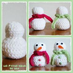 Je ne pouvais pas terminer ma série de bonshommes de neige sans vous en proposer au crochet  Matériel : laine blanche, laine... Crochet Mat, Crochet Toys, Patron Crochet, Spool Knitting, Crochet Snowman, Crochet Winter, Theme Noel, Knitted Dolls, Crochet Projects