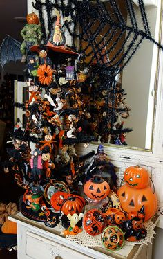 Another collection that never gets put away.......how could we? We love our vintage collectibles and spend all year looking for more!