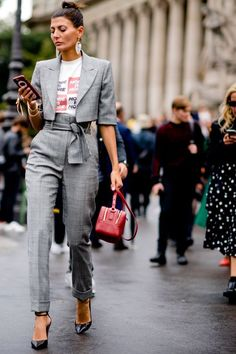 How to style a graphic t shirt with gray trousers and a cropped gray blazer