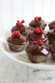 Christmas Cupcakes by eatlittlebird #Cupcakes #Chocolate