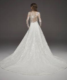 Vestido de novia princesa con transparencias y pedrería HAPPY | Pronovias