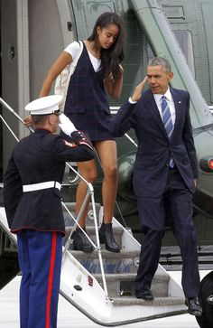 "accras: "" President Barack Obama and his daughter Malia arrive on Air Force One at San Francisco International Airport, "" Thank You President Obama, Barack Obama Family, Malia Obama, First Black President, Black Presidents, American Presidents, American History, Obama Daughter, Presidente Obama"