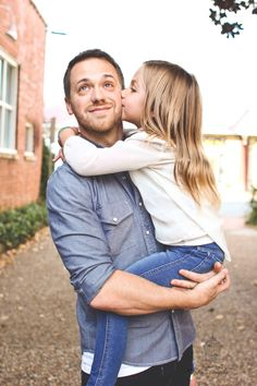 Trendy baby photography with dad daddy daughter 69 Ideas Daddy Daughter Pictures, Father Daughter Pictures, Father Daughter Dance, Father Daughter Photography, Children Photography, Photography Poses, Family Photography, Beauty Photography, Family Picture Poses