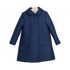 Disfruta ya de esta prenda. Abrigo de paño azul marino acolchado de la marca Fina Ejerique en la sección Niña Abrigos y Cazadoras. Compra moda infantil.  www.pepaonline.com