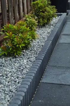 Garden Steps, Garden Yard Ideas, Garden Paths, Back Gardens, Small Gardens, Outdoor Gardens, Modern Landscaping, Front Yard Landscaping, House Landscape
