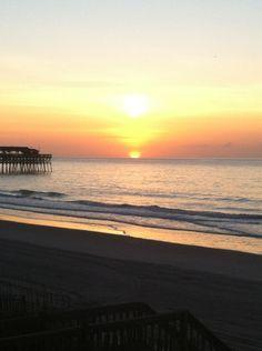 Garden City Beach sunrise Garden City South Carolina, Garden City Beach Sc, South Carolina Vacation, Beach Town, Murrells Inlet Sc, Places To Travel, Places To Visit, Beach Sunrise, Beach Vacation Rentals