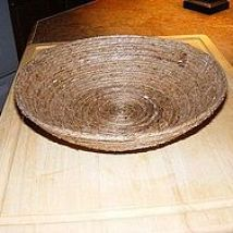 How to make a bowl from Jute rope and Mod Podge glue! Perfect for fruit bowls!