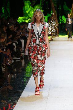 Dolce & Gabbana Summer 2017 Women Fashion Show | Dolce & Gabbana