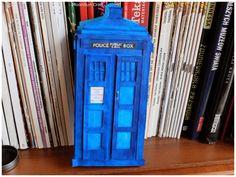 MoonSun Craft: TARDIS box for a card Tardis, Jukebox, Crafts, Diy, Do It Yourself, Manualidades, Bricolage, Handmade Crafts, Handyman Projects