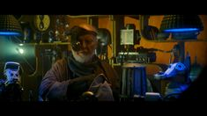 In John William's short cameo in Star Wars: The Rise Of Skywalker he is sorrounded by memorabilia of many of the movies he composed as a tribute. Recent Movies, Popular Movies, John Williams Star Wars, Star Wars Cast, Film Score, Conductors, Marvel Movies, Movie Trailers, Stars