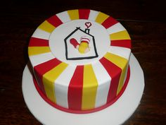 Ronald McDonald House Cake #2 by kirstyannb (Cake Corner), via Flickr Mc Donald Party, Mc Donald Cake, Casa Ronald Mcdonald, Mcdonalds Birthday Party, Cake Cookies, Cupcake Cakes, Italian Menu, House Cake, Themed Cupcakes