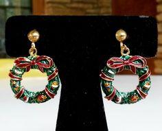 Vtg XMAS Wreath Hoop Enamel Gold Tone Clip Earrings Dangle Charm Christmas #NotSigned #DropDangle