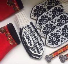 Vottemønster,Sokkemønster ,mønster til pannebånd og mini Selbu 🐑🇳🇴 | FINN.no Fair Isle Knitting, Mittens, Knitting Patterns, Gloves, Monogram, Mini, Fashion, Threading, Fingerless Mitts