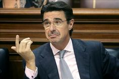 José Manuel Soria se queda sin su petróleo de Canarias