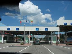 Bordercrossing from Lithuania into Latvia - by TravEllenineurope.com