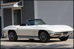 S105 1967 Chevrolet Corvette Convertible with numbers matching 327/350 HP engine and 4-Speed