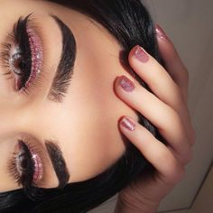 30 Most Sexy and Easy Pink Eyeshadow Makeup Idea Beginner for Prom - US Makeup Trends Glam Makeup, Makeup On Fleek, Kiss Makeup, Pretty Makeup, Makeup Inspo, Hair Makeup, Makeup Style, Makeup Ideas, Makeup Glowy
