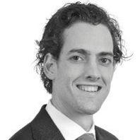 Dr. Lars Tummers is universitair docent bestuurskunde op de Erasmus Universiteit Rotterdam. Hij houdt zich bezig met HRM, innovatie en beleidsimplementatie. Hij is gespecialiseerd in de psychologie achter besluitvorming en implementatie. Hij promoveerde in 2012 cum laude op het proefschrift 'Beleidsvervreemding. Een analyse van de ervaringen van publieke professionals met nieuw beleid'. http://www.hrzone.nl/leden/lars-tummers