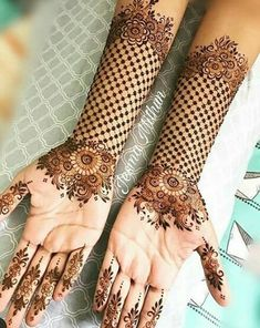 Explore latest Mehndi Designs images in 2019 on Happy Shappy. Mehendi design is also known as the heena design or henna patterns worldwide. We are here with the best mehndi designs images from worldwide. Henna Hand Designs, Eid Mehndi Designs, New Bridal Mehndi Designs, Mehndi Designs Finger, Stylish Mehndi Designs, Mehndi Design Pictures, Latest Mehndi Designs, Mehndi Designs For Hands, Mehndi Images