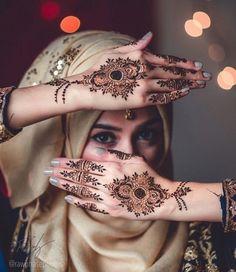 Henna Design By Fatima Mehndi Desing, Unique Mehndi Designs, Beautiful Mehndi Design, Arabic Mehndi Designs, Mehndi Images, Henna Tattoo Designs, Bridal Mehndi Designs, Beautiful Hijab, Henna Tattoos