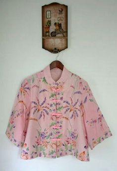 ggh Batik Blazer, Blouse Batik, Batik Dress, Blouse Patterns, Blouse Designs, Batik Fashion, Women's Fashion, Batik Kebaya, Ethnic Outfits